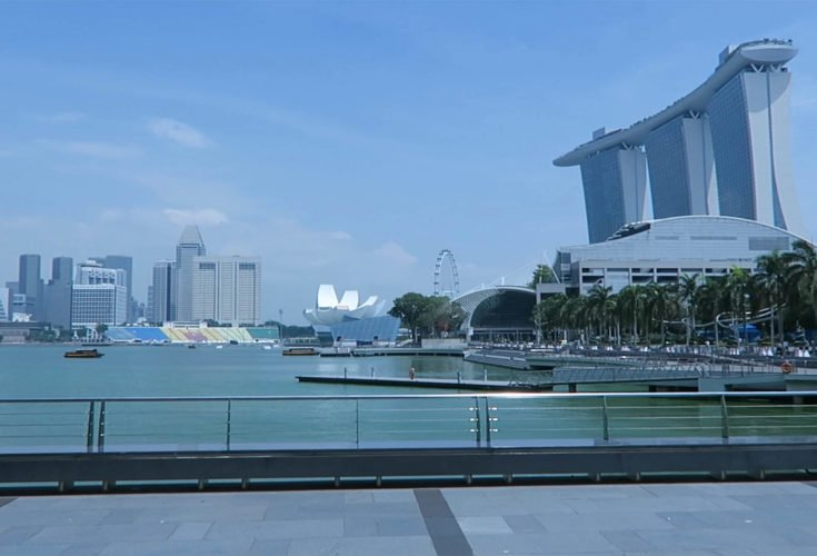 What to Do on a 24 Hour Layover in Singapore (Video)